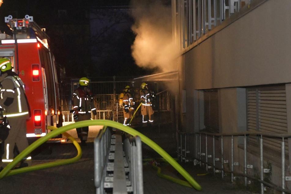 18 Kräfte der Feuerwehr waren vor Ort, um den Brand zu löschen.