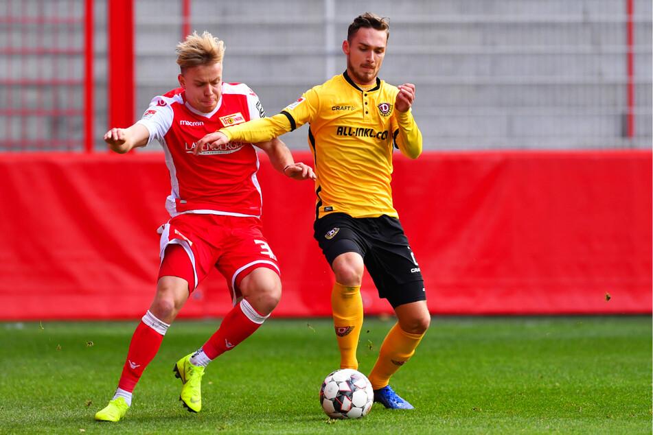 Lennard Maloney (21, l.) wurde von 2012 bis 2020 beim 1. FC Union Berlin ausgebildet und galt in der Hauptstadt als großes Talent. Einmal kam er in der 2. Bundesliga für die Eisernen zum Einsatz und hier auch im Testspiel am 15. November 2018 gegen Dynamo Dresden.