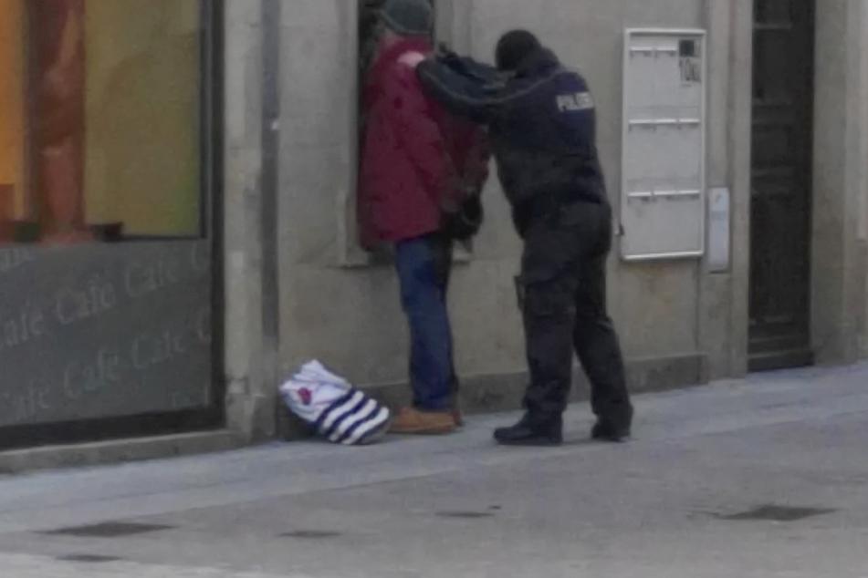 Die Polizei entdeckte den mutmaßlichen Serientäter mitten in der Altstadt.