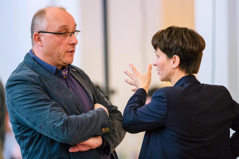 Intimfeinde: AfD-Chefin Frauke Petry (41) will Bundestagskandidat Jens Maier (55) aus der Partei schmeißen. Der Ausgang ist offen.