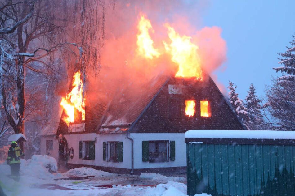 """Am 9. Januar ist die historische """"Waldschänke"""" abgebrannt. Ursache war ein Leitungsbrand in der Decke."""