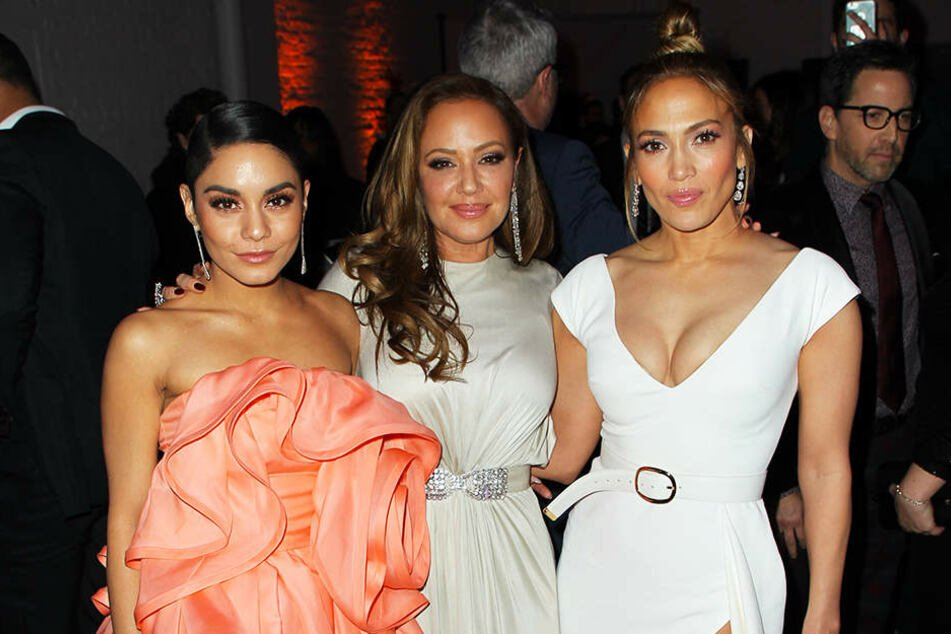 "Jennifer Lopez (r.), Leah Remini (M.) und Vanessa Hudgens (l.) bei der Premiere von ""Manhattan Queen"" in New York."