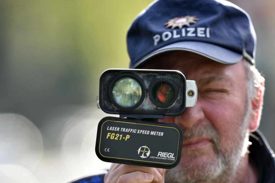 Die Polizei hat auf der B247 im Kreis Gotha Geschwindigkeitskontrollen durchgeführt. (Symbolbild)
