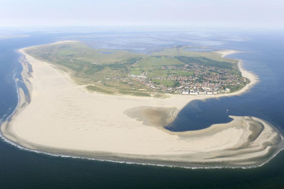 An die Strände der ostfriesischen Insel Borkum könnten die verloren gegangen Container angespült werden.