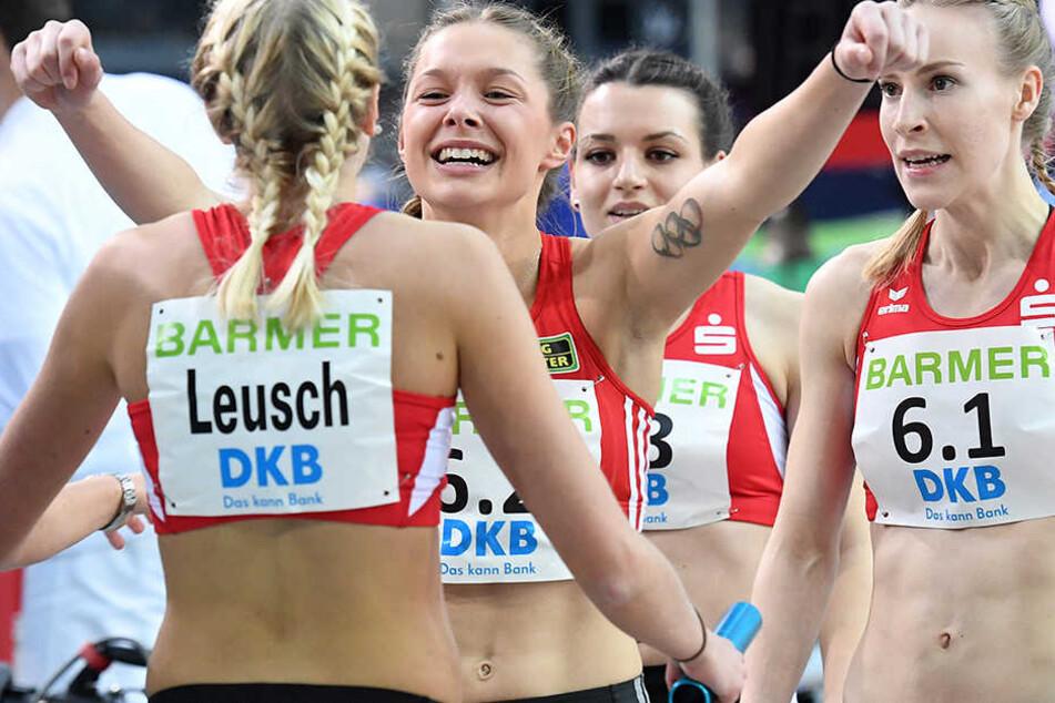 Gina Lückenkemper reißt die Arme hoch. Heute lief die 20-jährige Westfalin deutsche Jahresbestzeit!