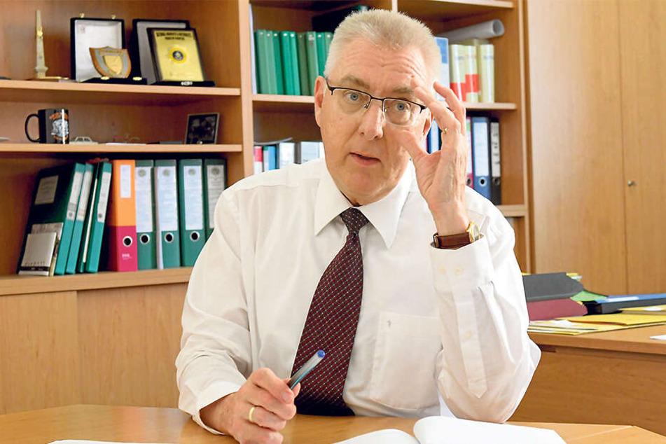 """Kripo-Chef Volker Lange (60) übernahm persönlich die Leitung der Ermittlungsgruppe """"Velo""""."""
