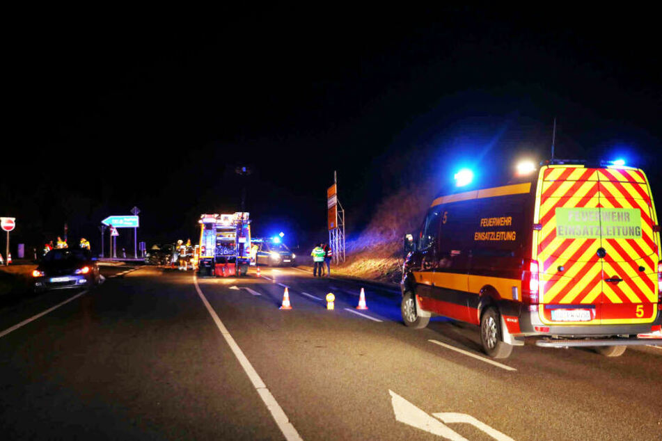 Die Straße wurde während des Einsatzes voll gesperrt.