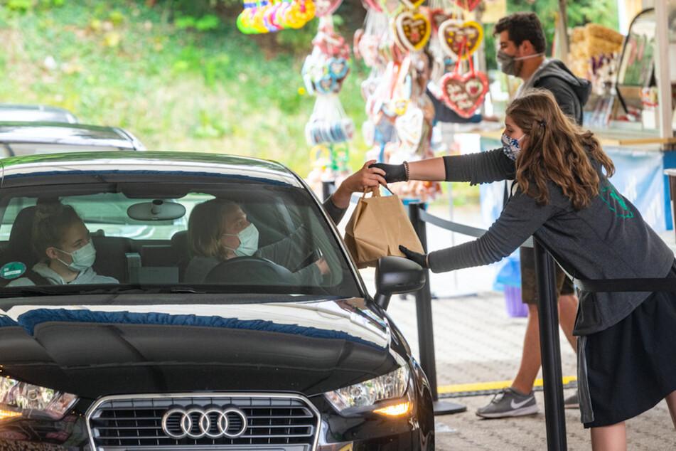 Drive-in-Volksfest: Hier gibts die Gaudi zum Mitnehmen