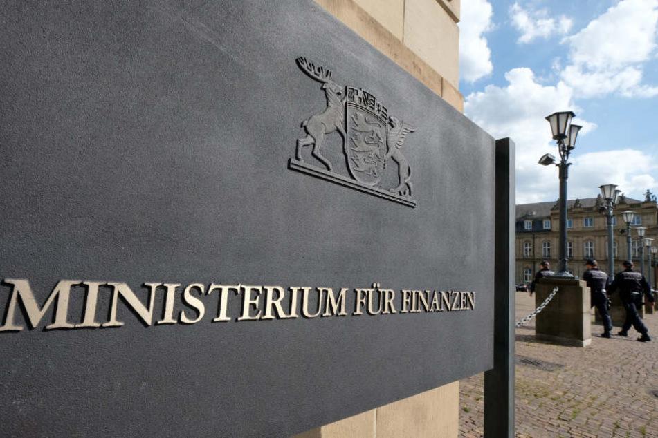 Das Finanzministerium in Stuttgart antwortete jetzt ausführlich.