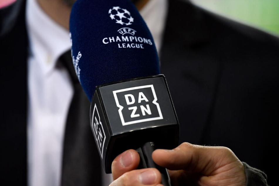 DAZN hat ab der kommenden Saison nicht mehr die Übertragungsrechte an der Premier League. (Symbolbild)