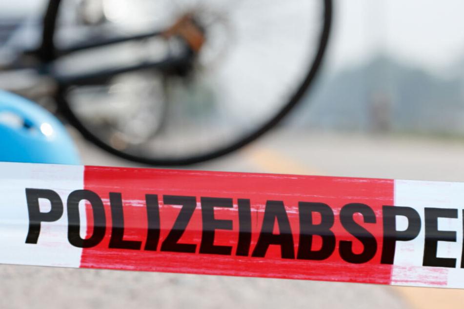 Bei einem Unfall auf der B183 bei Muldestausee ist am Freitag ein Radfahrer ums Leben gekommen. (Symbolbild)