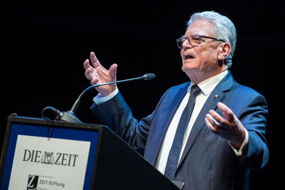 Joachim Gauck, Bundespräsident a.D., spricht während der Verleihung des Marion Dönhoff-Preises.