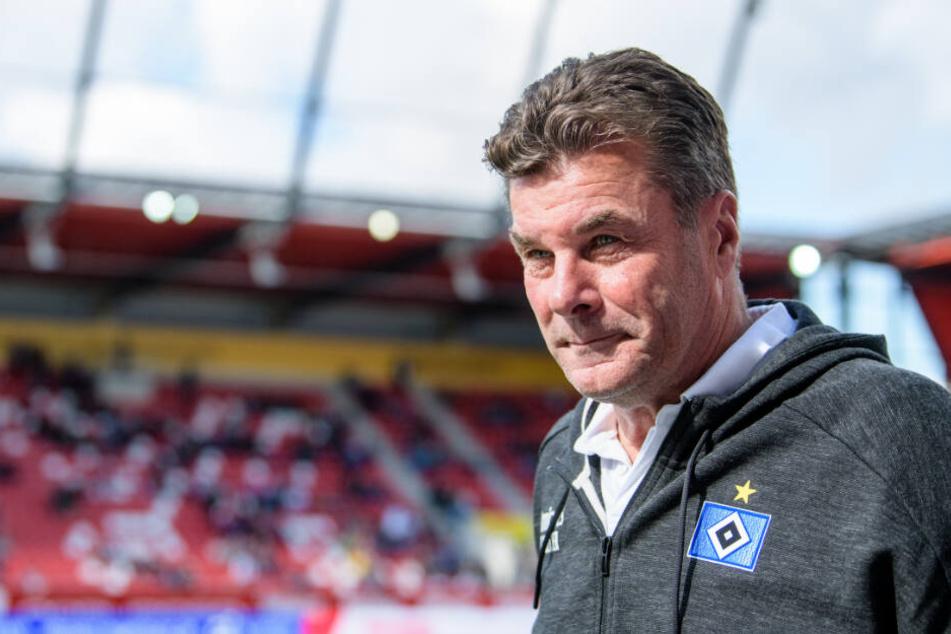 Trainer Dieter Hecking steht hinter seinem Keeper.