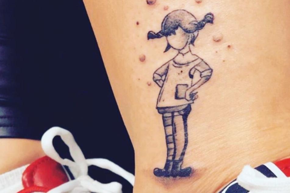 Dieser Instagram-Screenshot zeigt das Pippi Langstrumpf-Tattoo von Mademoiselle Nicolette.