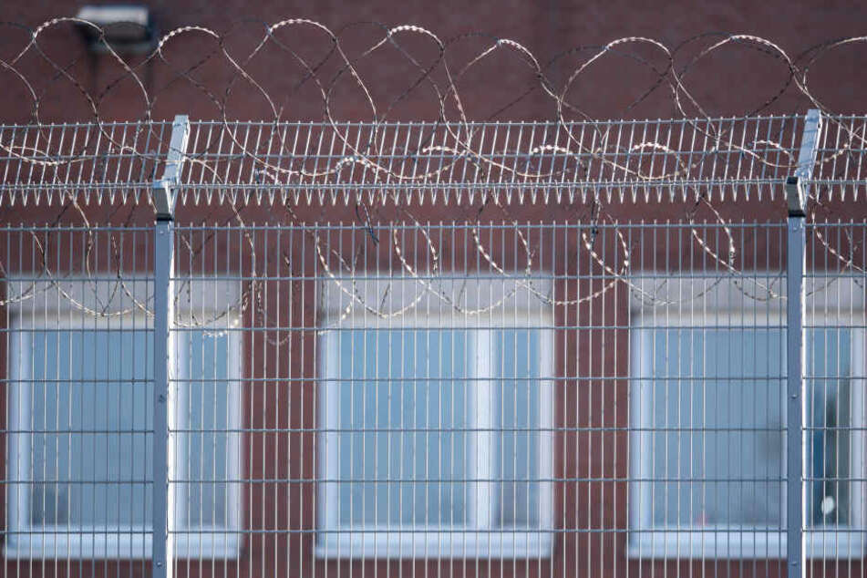 Die 34-Jährige starb in der Justizvollzugsanstalt Köln-Ossendorf.