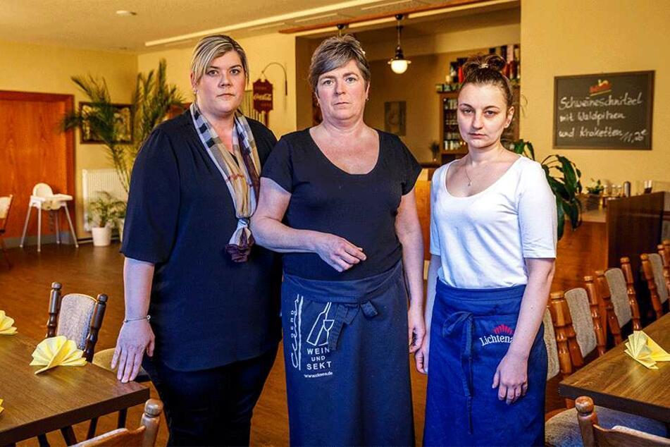 Chefin Doris Teige (49, Mitte) mit ihrer Restaurantleiterin Yvette Brankatschk (36) und einer ihrer Köchinnen, Daria Btotnicka (26, r.).