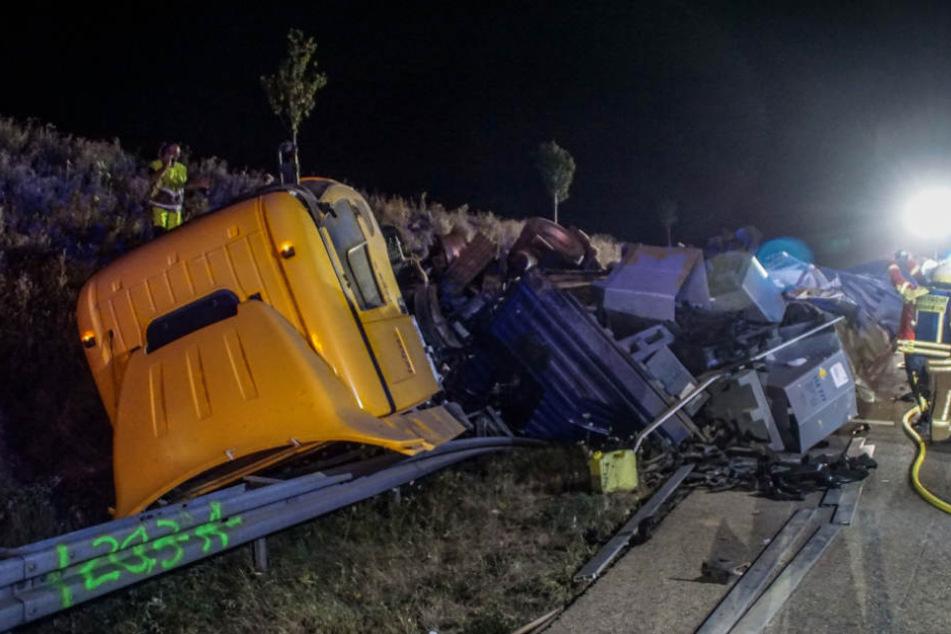 Das völlig zerstörte Wrack des Unglücks-Lastwagens.