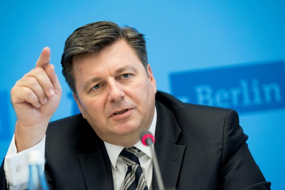 Berlins Innensenator Andreas Geisel (SPD) sieht auch Handlungsbedarf, zunächst wird aber Geld in Schulen investiert.