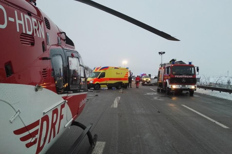Schlimmer Unfall am Mittwochmorgen auf der A17 Prag in Richtung Dresden. Dort hat sich ein Auto überschlagen!