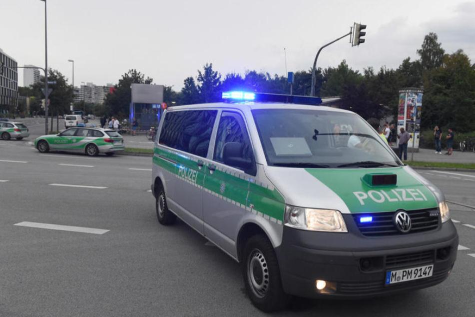 Mann greift am Hauptbahnhof Polizist und Soldaten mit Messer an