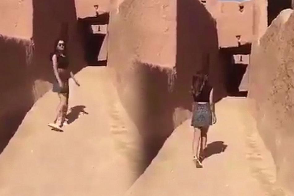 Das passiert, wenn eine Frau im Minirock durch ein arabisches Dorf spaziert
