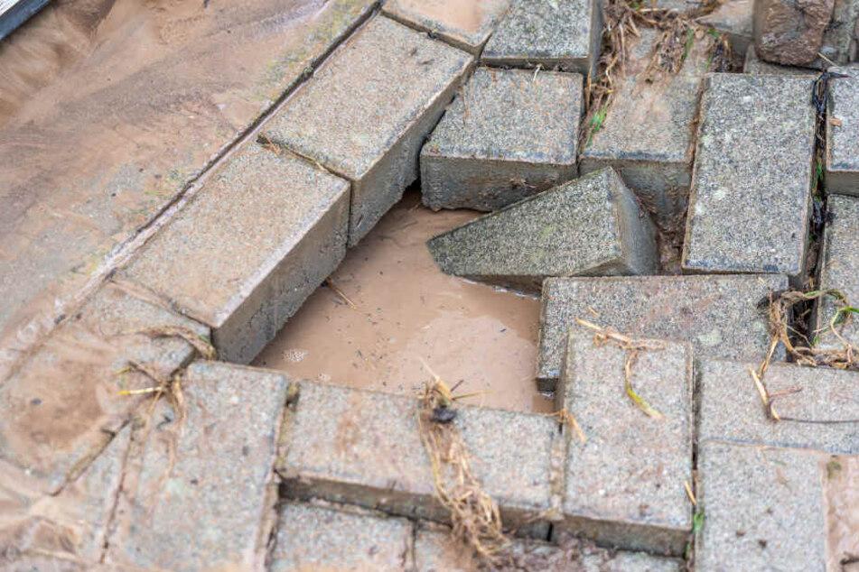 Teilweise wurden auch Steine aus dem Boden geschwemmt.