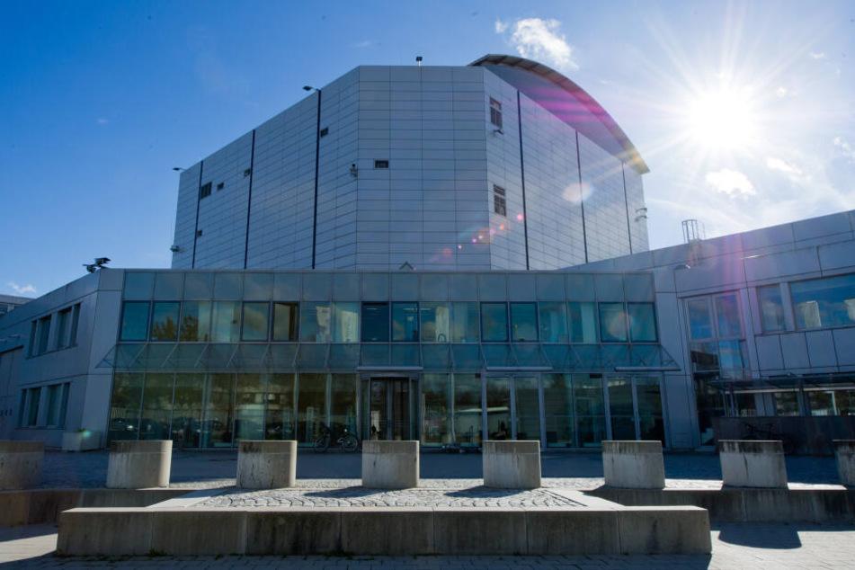 München: Atomreaktor bei München läuft mit gefährlichem Uran: Bündnis fordert sofortige Abschaltung