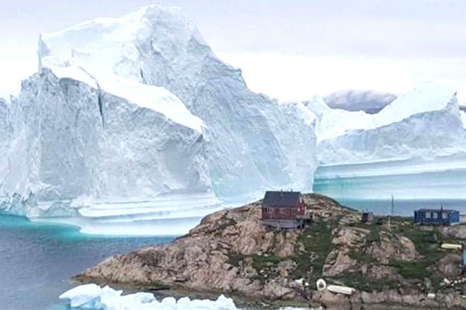 Ein gigantischer Eisberg könnte eine Flutwelle auslösen.