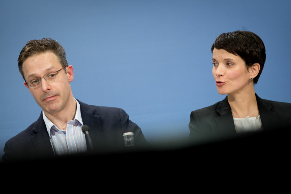 Was Marcus Pretzell und Frauke Petry wohl für einen Geheimplan haben?