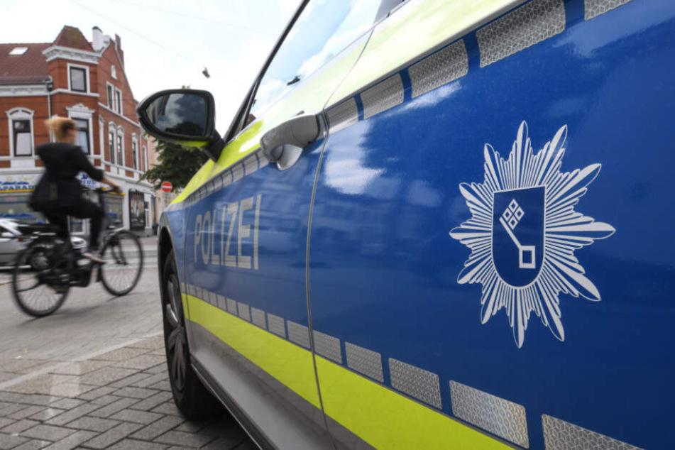 Die Bremer Polizei fahndet nach dem Autofahrer. (Symbolbild)
