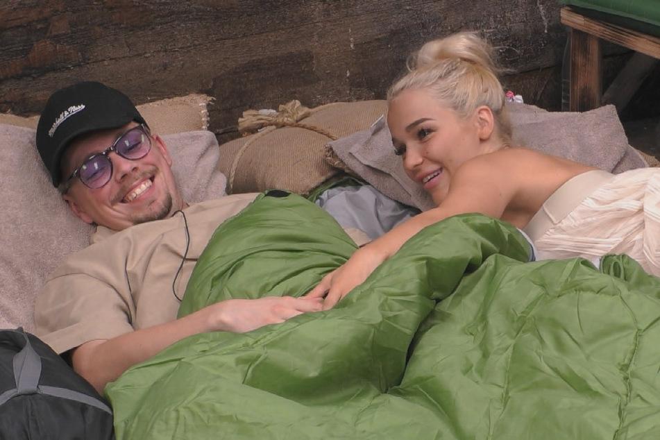 Promi Big Brother: Emmy sorgt für Ständer bei Udo und will in den Playboy