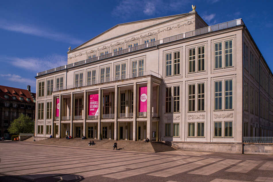 Zu den weiterhin geschlossenen Bühnenhäusern gehört auch die Leipziger Oper. Bis mindestens nach Ostern wird hier keine Vorstellung stattfinden. (Archivbild)