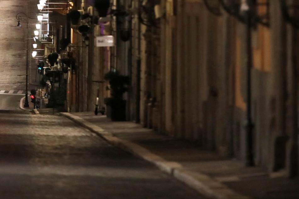 Die Straßen werden nachts leer bleiben. (Symbolbild)