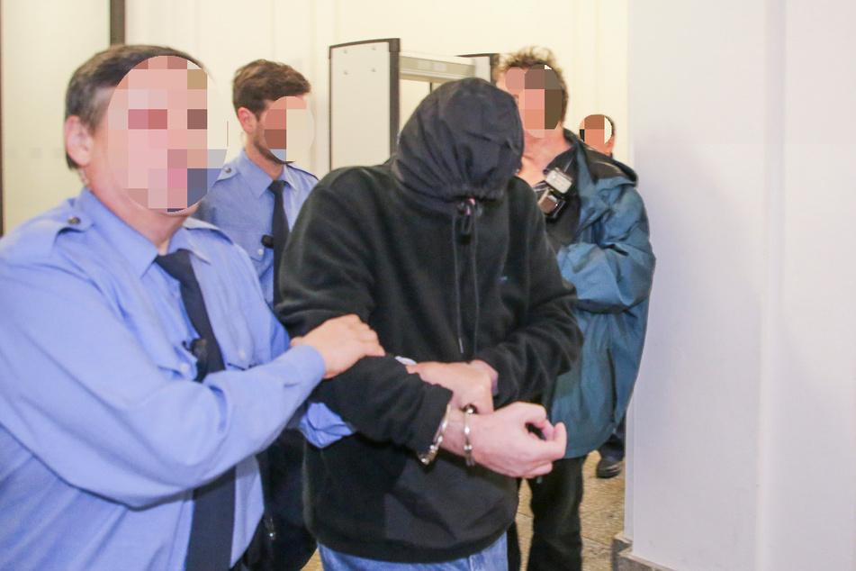 Laurent F. beim Prozess am 14. Februar am Landgericht Dresden.