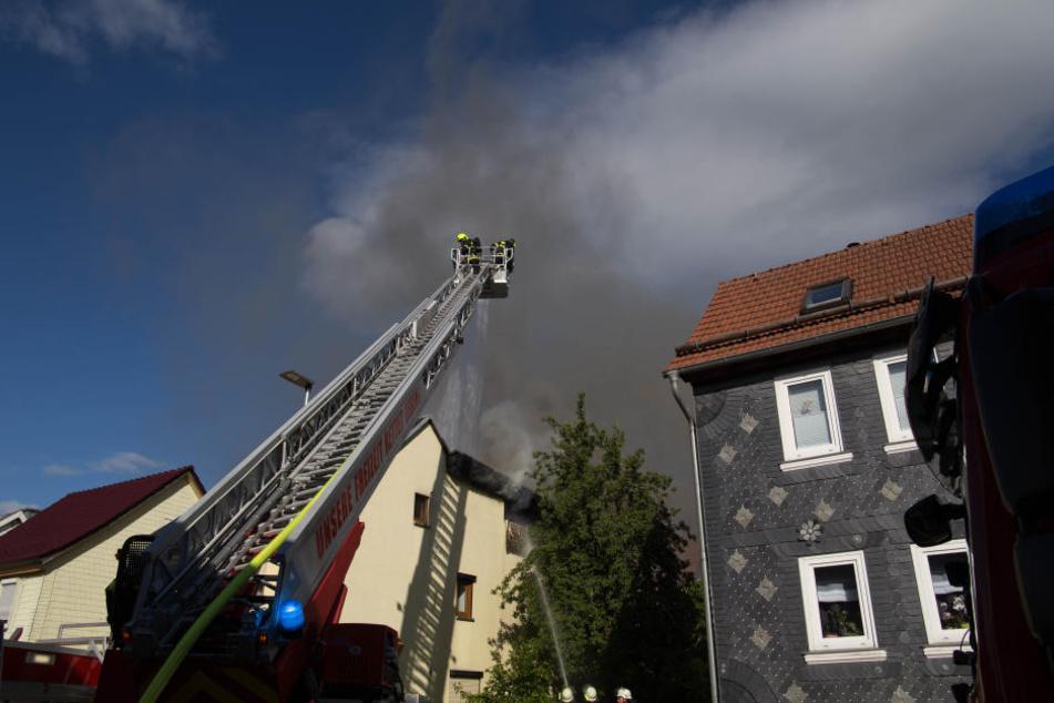 Nach etwa zwei Stunden hatte die Feuerwehr die Flammen gelöscht.