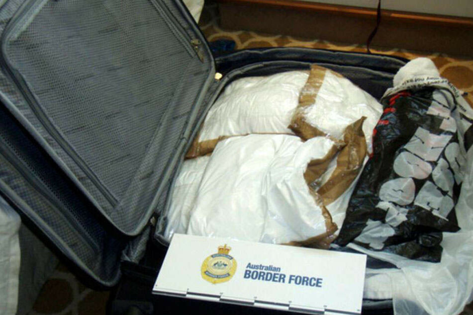 Statt Sonnencreme und Reiselektüre fand der Zoll in den Koffern der Mädels beutelweise weißes Pulver.