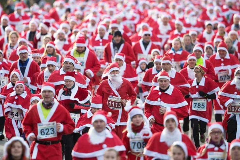 """Beim 9. Michendorfer Nikolausrennen nahmen 1100 """"Rotmäntel"""" teil."""