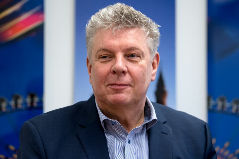 Dieter Reiter (SPD), Oberbürgermeister der Stadt München, freut sich über die Freibad-Eintrittspreise. (Archivbild)