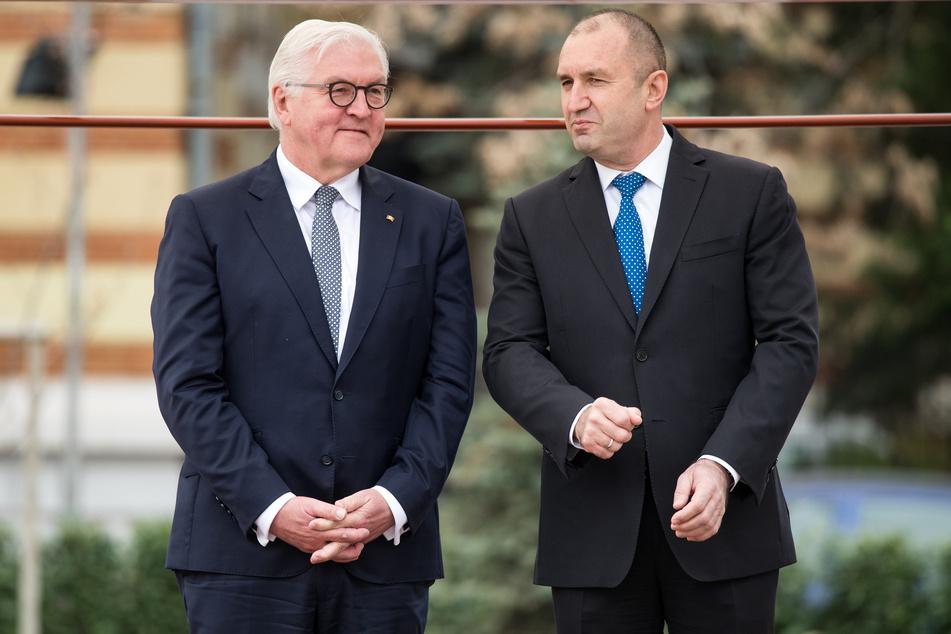 Rumen Radew (r.), der Präsident von Bulgarien, hat sich offenbar nicht mit dem Coronavirus infiziert.