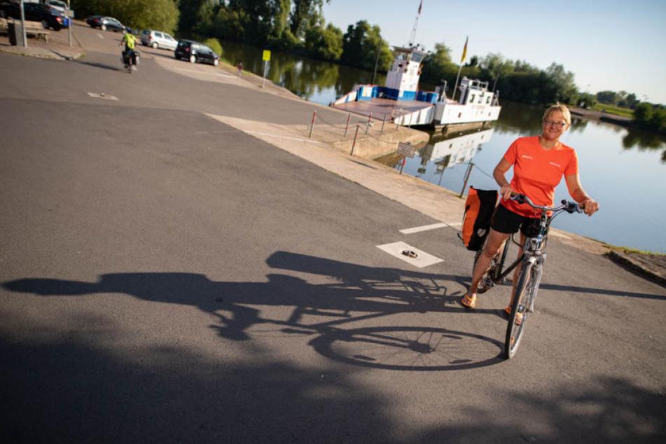 Die 52-Jährige ist sehr umweltbewusst und legt einen Großteil ihres Arbeitsweges mit dem Rad zurück.