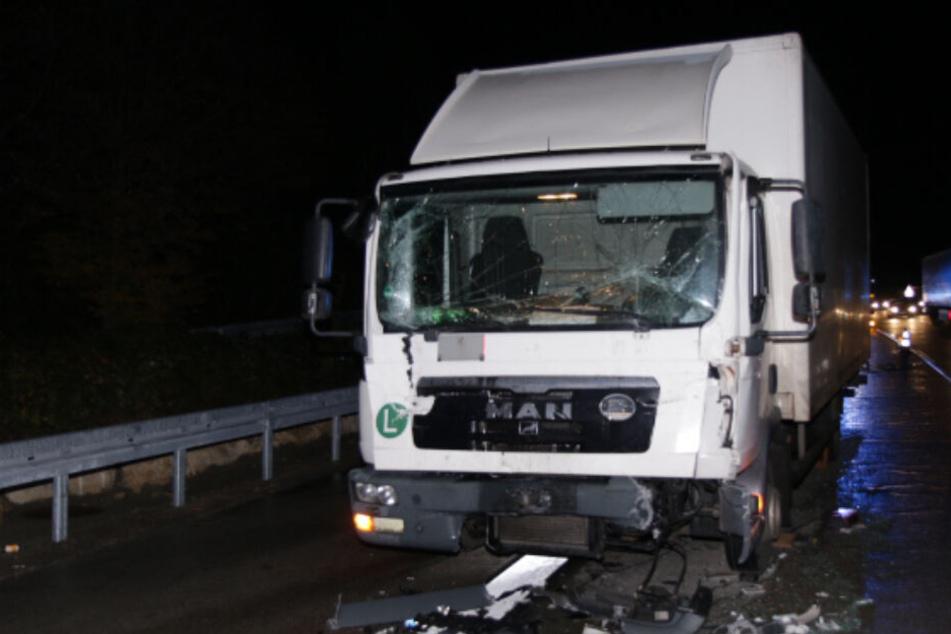 Stau-Chaos auf der A8 nach schwerem Lkw-Unfall