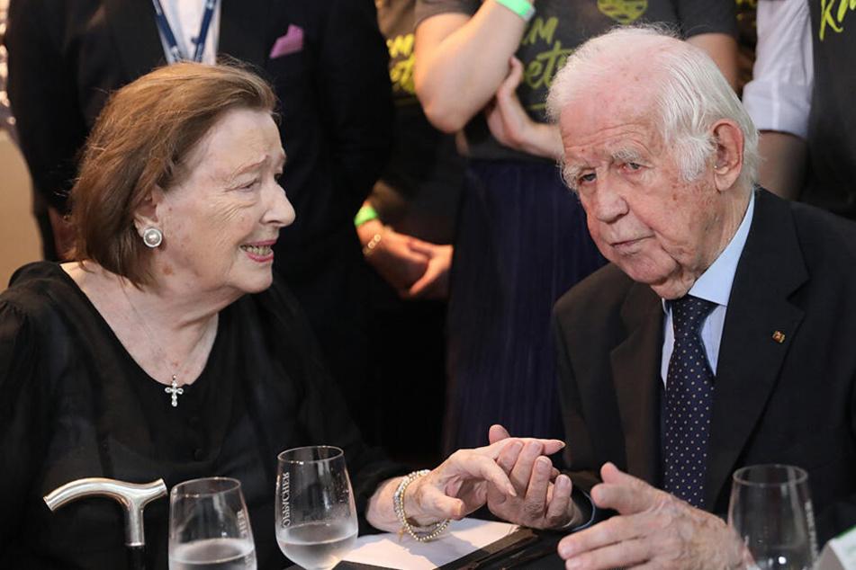 Kurt Biedenkopf (89, CDU) mit seiner Frau Ingrid.
