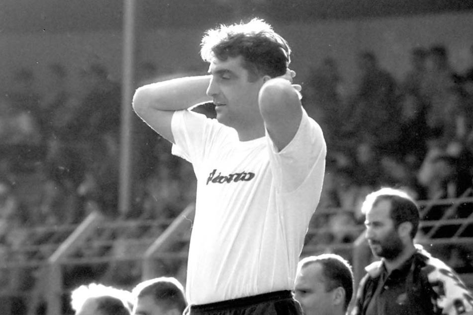 Von Juli 1995 bis April 1996 war Ralf Minge Trainer in Aue. In der Zeit gelang der letzte Dynamo-Sieg im Erzgebirge.