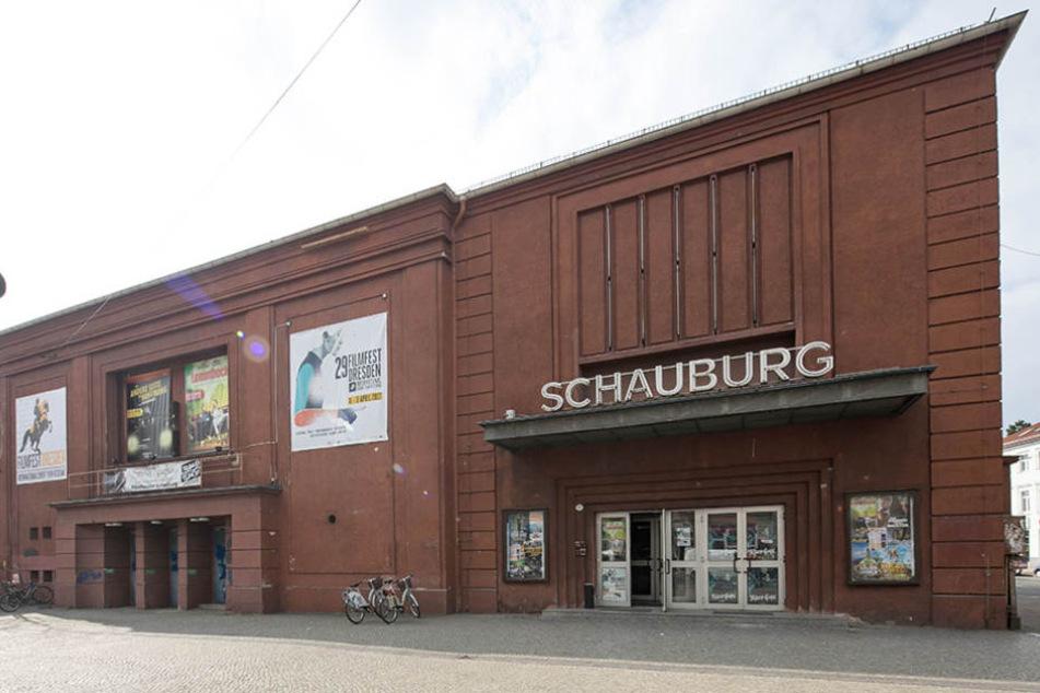Die in den 50er-Jahren entstandene rote Fassade wird einer neuen weichen.