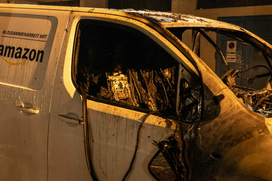 An mehreren Orten in Berlin wurden Autos in Brand gesteckt.