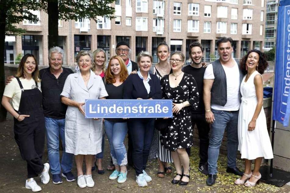 """Die Darsteller der Serie """"Lindenstraße""""."""