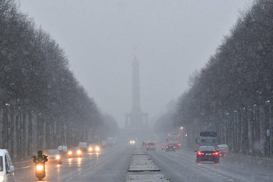 Der erste Schnefall im Dezember 2017 in Berlin