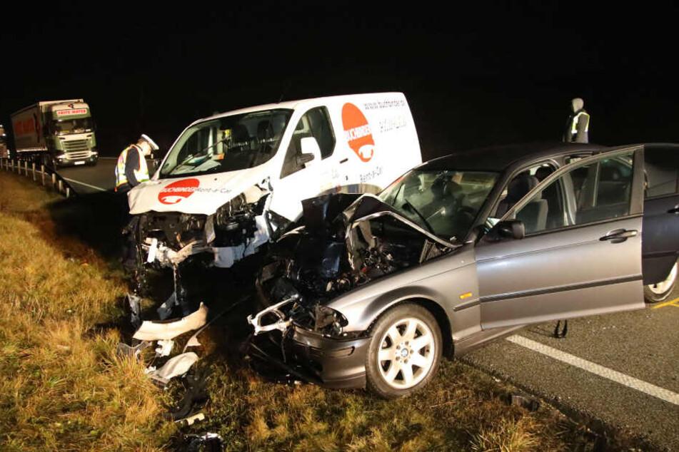 Tragischer Frontal-Unfall: Fünf Menschen schwer verletzt