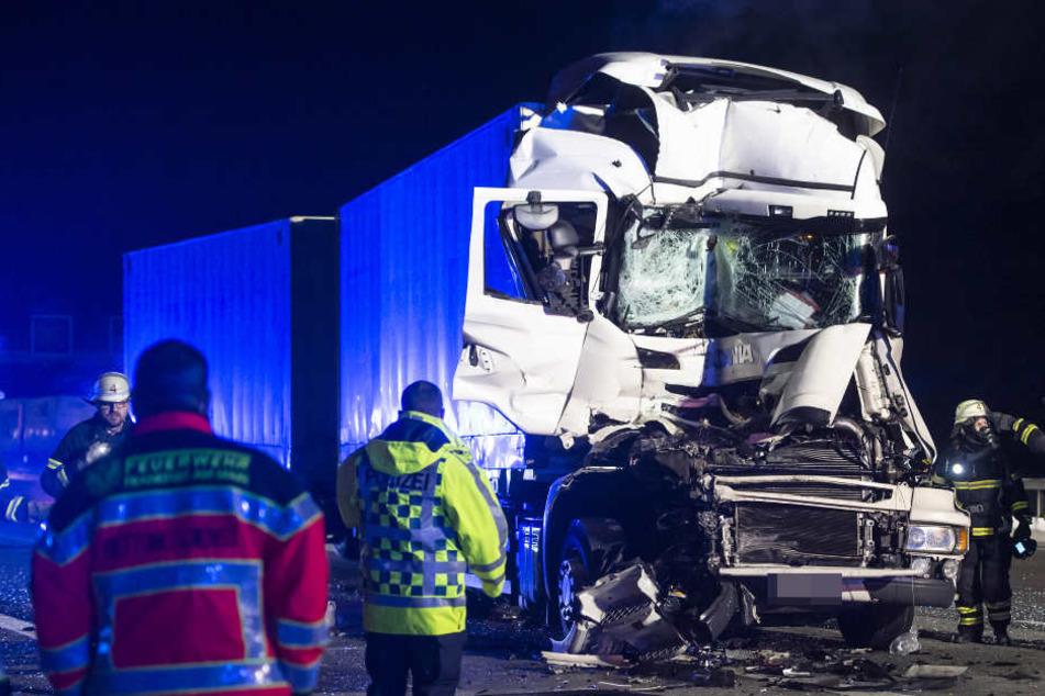 Der Unfallverursacher erlitt schwere Verletzungen.