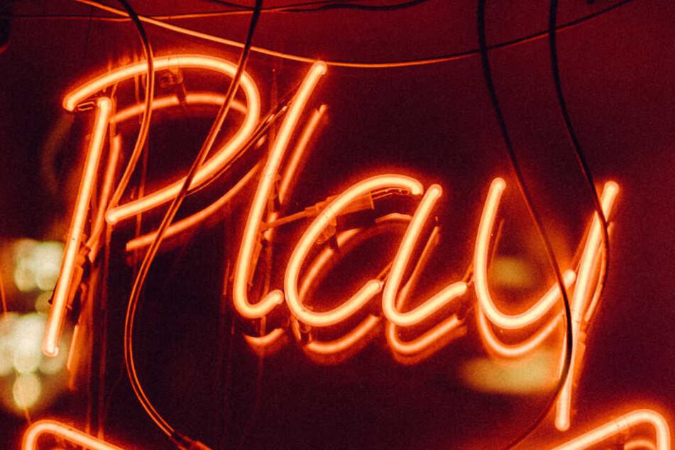 Auch im Bereich der Intertnet-Spiele und Online-Casinos sollte man auf Gütesiegel und Testberichte achten.